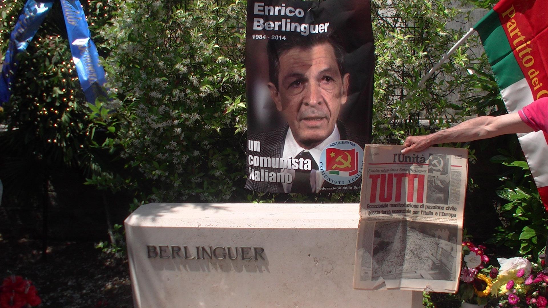 Il pdci porta il suo omaggio ad enrico berlinguer a trent - Cimitero flaminio prima porta ...